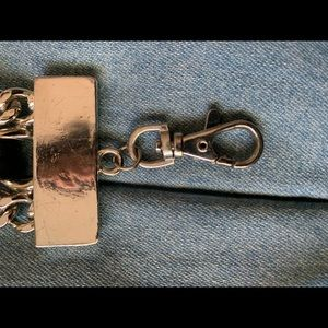 Accessories - Fashionable chain belt